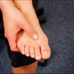 Release point above the big toe and second toe, knuckle