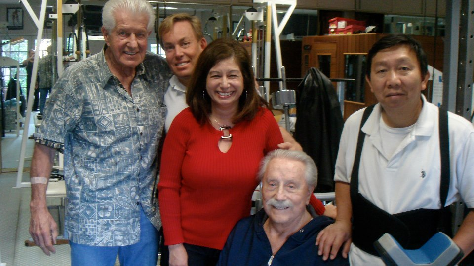 Dr Bob Delmonteque, Dr James Stoxen DC, Patricia White, Joe Weider and Magnum (assistant)